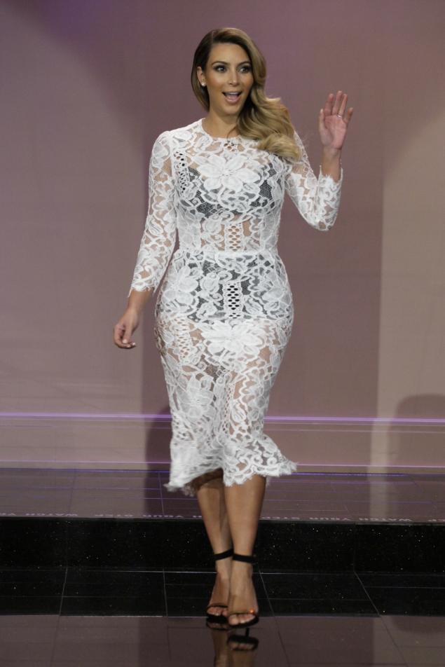 Baño De Tina Para Adelantar El Parto:Kim Kardashian Lace Dress