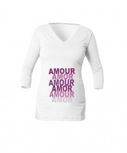 """Camiseta cuello V """"AMOUR"""""""